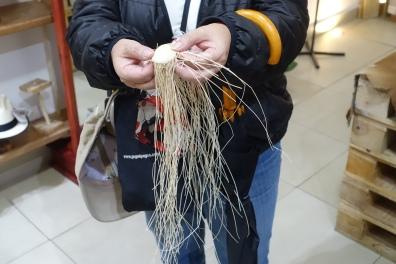 Loose straw